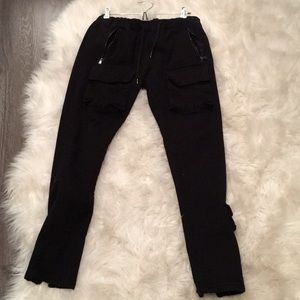 Men's jean jogger with zipper pockets ankle